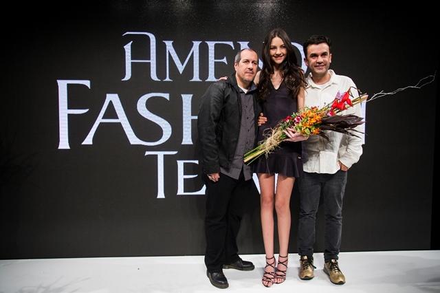 Sara Poletto, vencedora do concurso ao lado dos sócios da Way Model Zeca de Abreu e Anderson Baumgartner